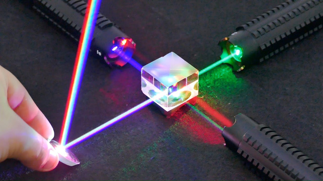 5 Experiments With Lasers That Will Blow Your Mind