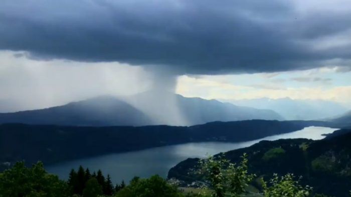 Powerful Rainstorm Over The Austrian Lake In A Time-Lapse Video (2 Photos + 1 Video)