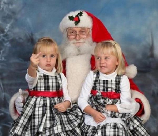 Awkward Family Photos That Will Actually Make You Cringe!