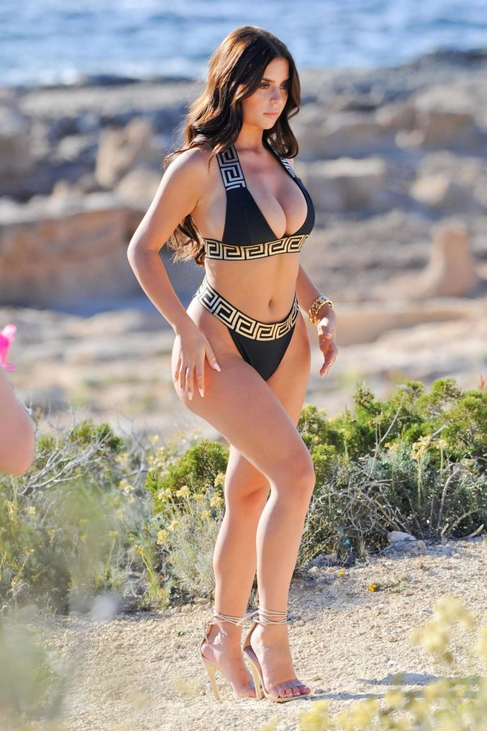 4 Photos Of Demi Rose In A Sizzling Bikini - Photoshoot In Ibiza 06/22/2018