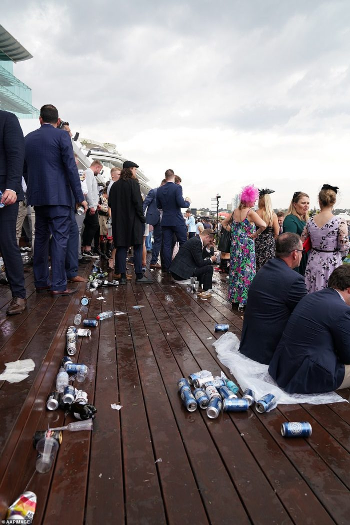 35 Drunk People Fails Of Melbourne Cup