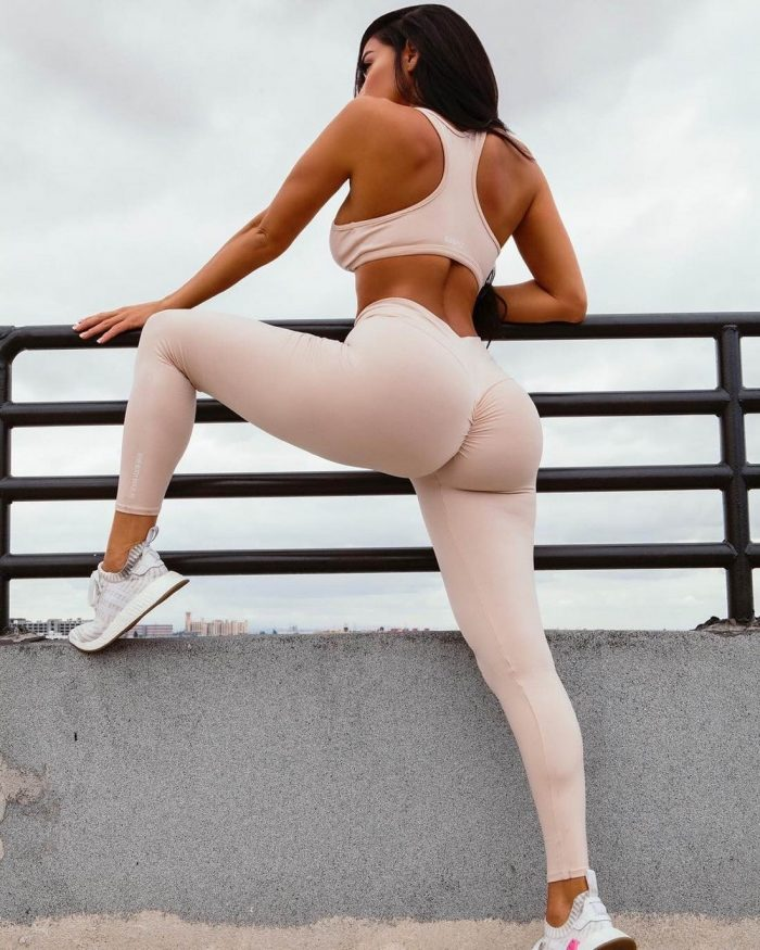 Girls In Yoga Pants You Must See (42 Photos)